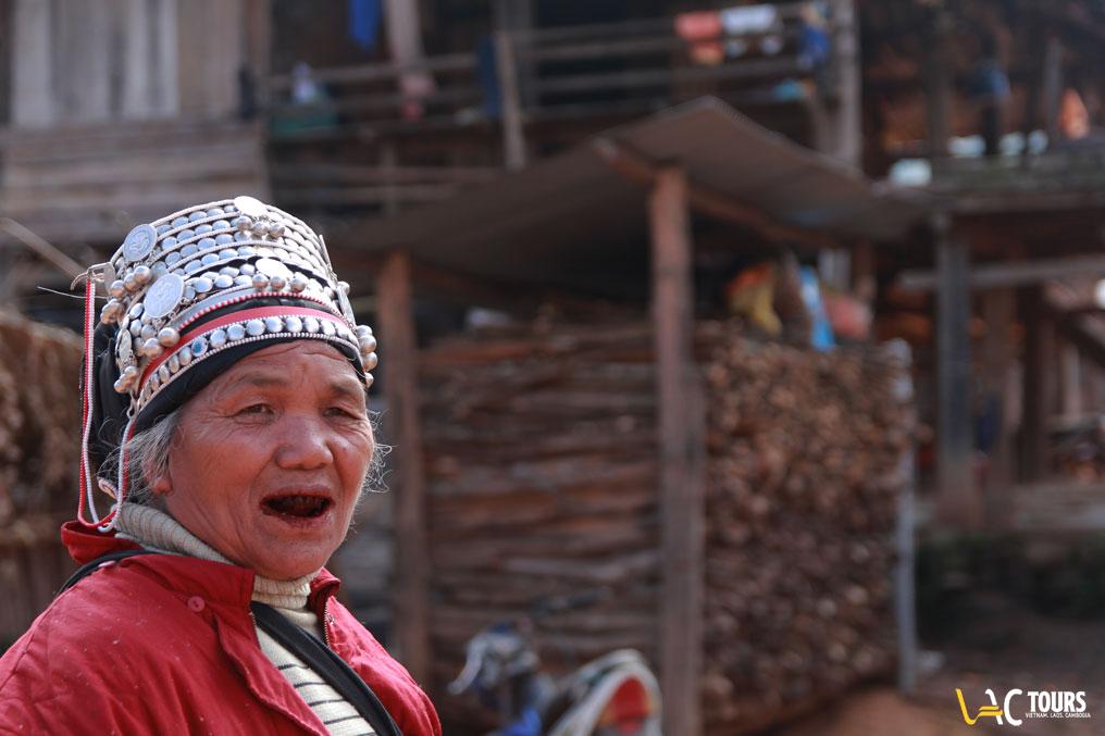 Trekking-in-Laos